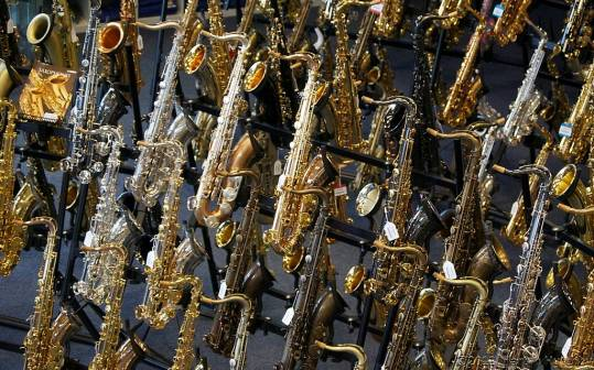 many saxes